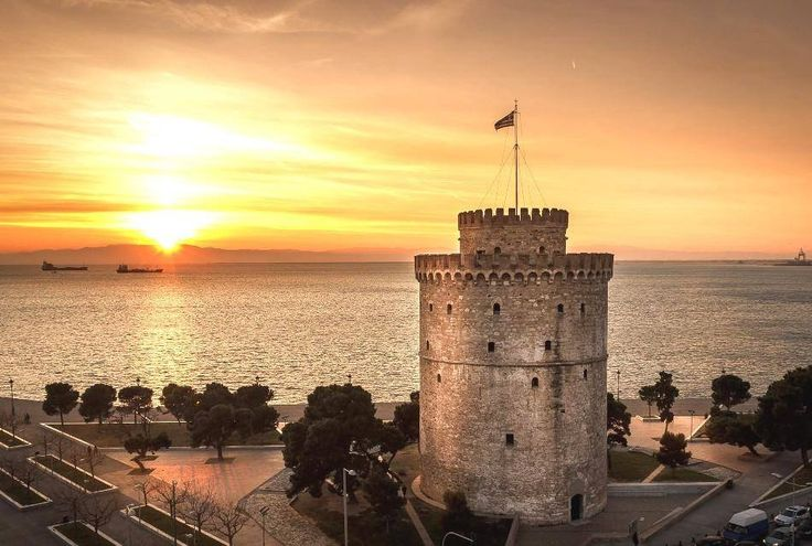 The White Tower of Thessaloniki, capital of modern Macedonia northern Greece