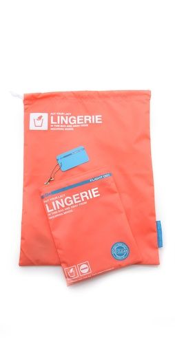 Go Clean Lingerie Bag :: protects delicate lingerie