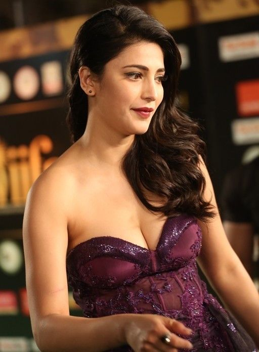 Shruti Hassan Hot Pics Shruti Hassan Unseen HD Photos