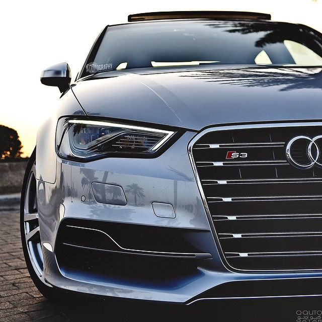 Loving the details of the S3. The front is so gorgeous. I sometimes like to take pics when the sun is behind the car, so you get these beautiful colors around. Enjoy! Car: 2016 @Audi S3 Sedan S-Tronic...