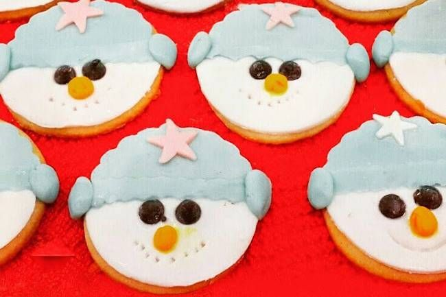 Şeker kurabiyeler tarifi... Çocuklarınız bu kurabiyelere bayılacak! http://www.hurriyetaile.com/yemek-tarifleri/cocuk-yemekleri-tarifleri/seker-kurabiyeler-tarifi_4276.html
