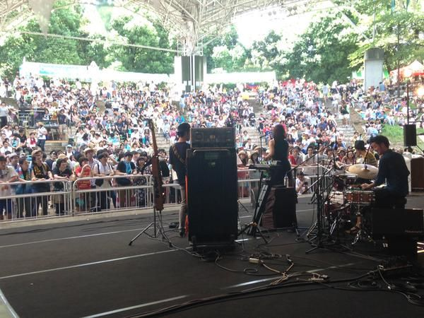 「Schroeder-Headz.Guest Vocal :土岐麻子」、「夏びらきフェス」のアットホーム感、楽しくライブ出来ました〜、有難うございました!  #NATSUBIRAKI  #Schroeder-Headz #土岐麻子