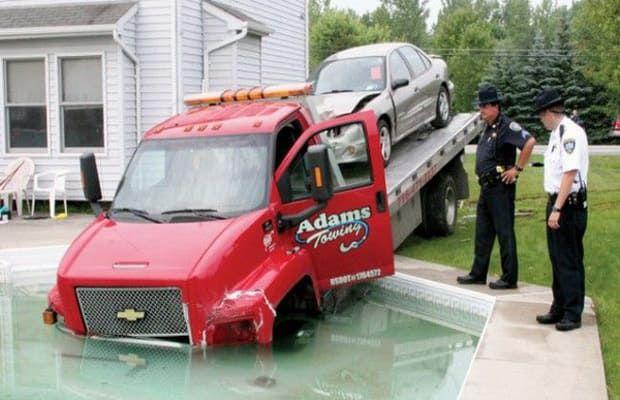 Hole - 25 Incredibly Bizarre Car Accident Photos | Complex