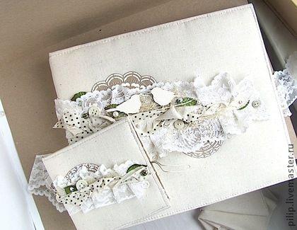 Свадебные фотоальбомы ручной работы. Ярмарка Мастеров - ручная работа. Купить Свадебный комплект: Альбом + папка для диска. Handmade.