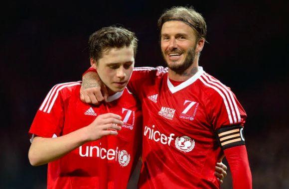 Angleterre - David Beckham remplace son fils