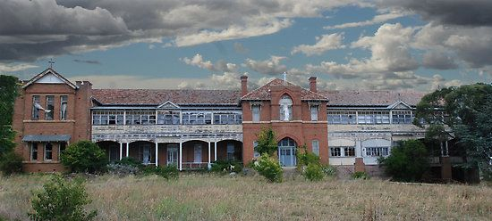 St Johns Orphanage Goulburn Nsw Once a large Orphange in Goulburn NSW, which now lays abandoned . by rossco
