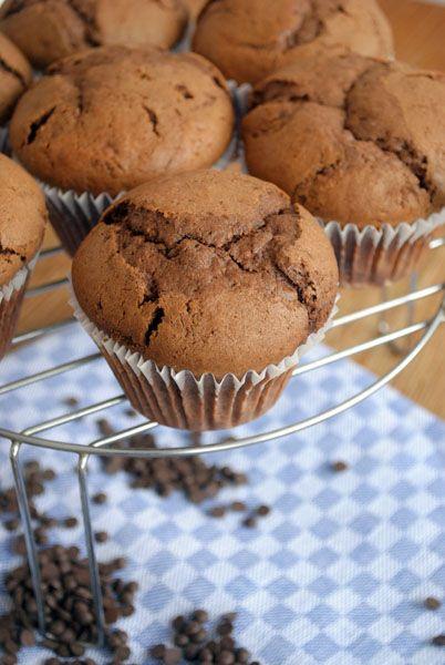 Шоколадные кексы с тыквой и шоколадной начинкой
