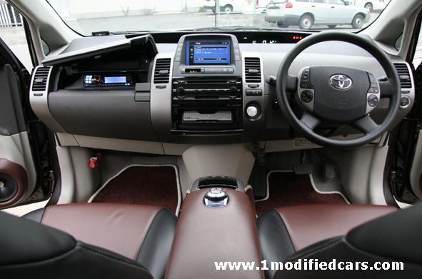 Modified Custom Toyota Prius Hybrid Car Interior With Alpine Jl Audio Ipod System Toyota Prius Prius Custom Toyota Prius Hybrid