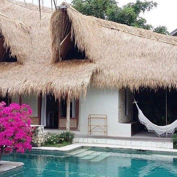 New place on our bucket list 🙌🏾 @mu_bali 📷 @call.me.s.o.p.h.i.a 💦 #bali #paradise #islandlife