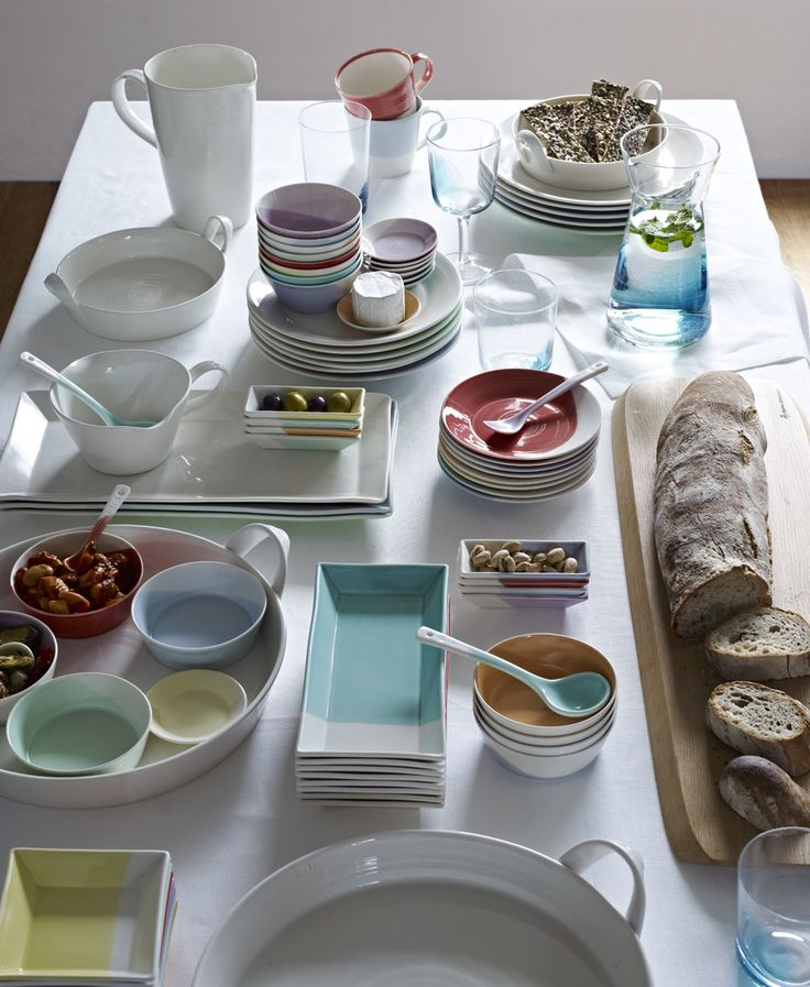 Entertain with Royal Doulton's 1815 collection.