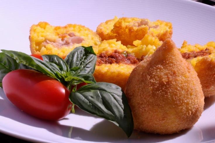 ARANCINI DI RISO!! fried risotto balls with meat sauce and mozzarella inside