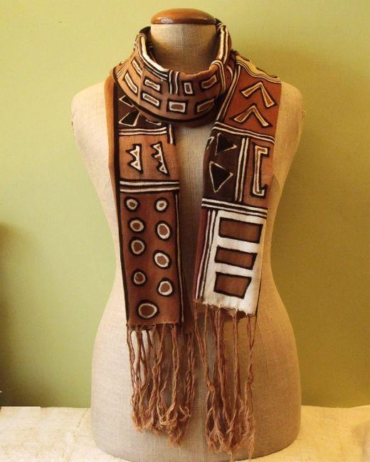 Cotton shawl  http://www.etnobazar.pl/shop/Moringa-art/products/szal-bogolan-brazowy-dlugi-1
