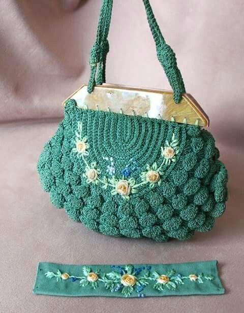 Cool crochet purse. Green crochet bag with flowers