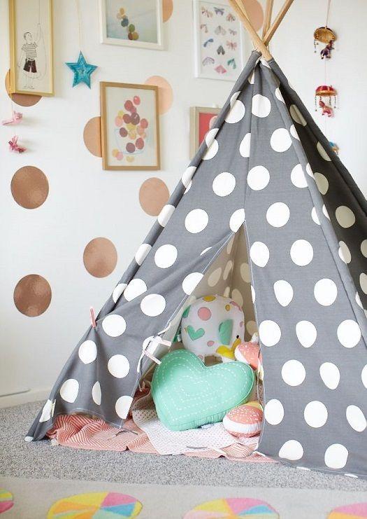 Tipi para zona de juego infantil http://www.mamidecora.com/habitaciones-infantiles-a-todo-color.html