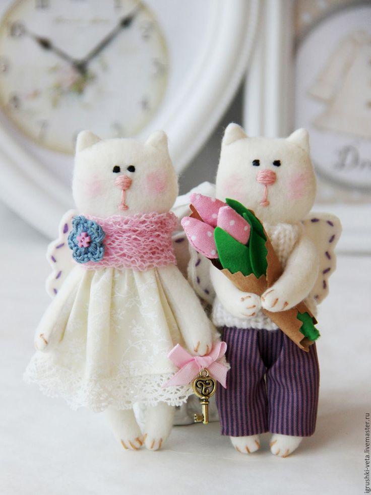 Купить Мартовский котик с тюльпанами. Текстильная игрушка. - сиреневый, фиолетовый, розовый, белый, котик