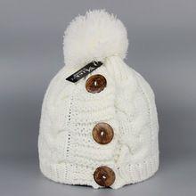 Зимние и осенние мода кнопка дизайн шапочки утолщаются шляпы для женщин мужчины шерсть вязаный мех енота помпон шапки Высокое качество(China (Mainland))