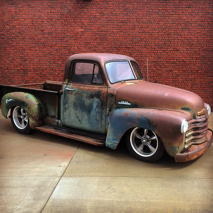 """""Appalachian"" Slammed on S10 chassis with V8 and automatic. VERY SOLID and beautiful patina! #FORSALE Call/Text: 606-776-2886 Email:…"""