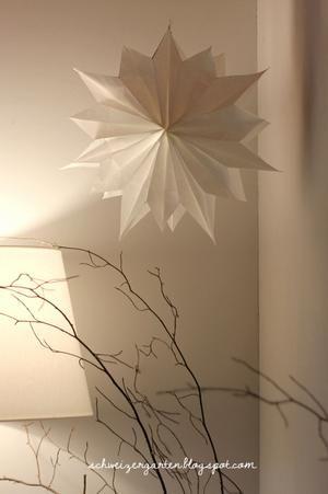 Sehe dir das Foto von Olena mit dem Titel Papierstern aus Butterbrottüten und andere inspirierende Bilder auf Spaaz.de an.