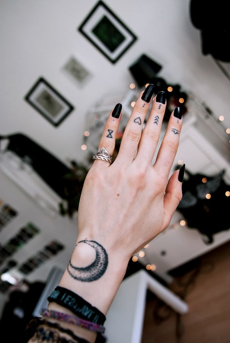 Finger Tattoo verschiedene Motive