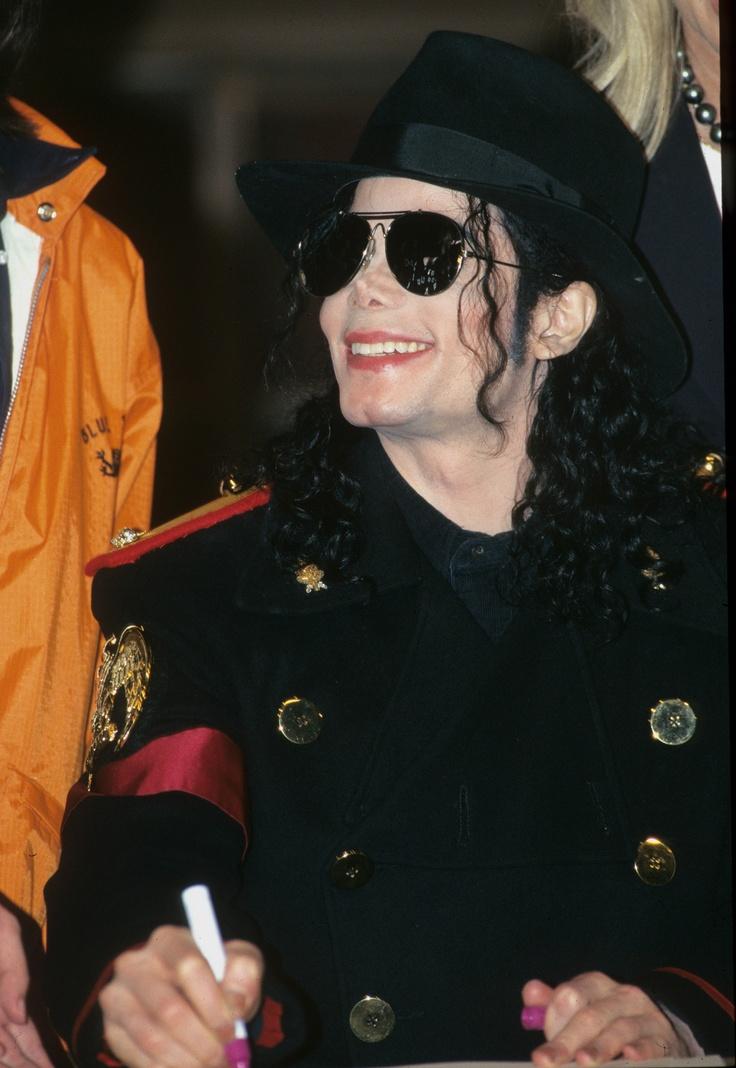 87 best Michael Jackson Humanitario images on Pinterest   Michael o ...