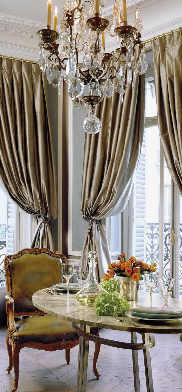 Traditional Dining Room | Christopher Noto. Beautiful golden panels with inverted pleats!