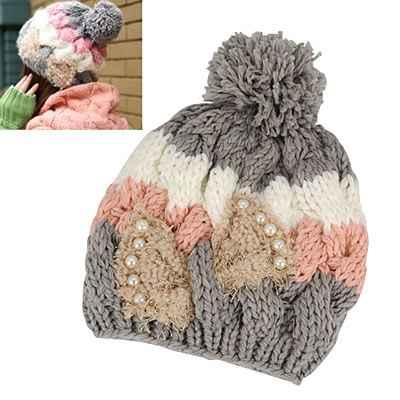 The hat is woven, it is colorful, has accessories like piedreria, is beautiful, is a size girl.