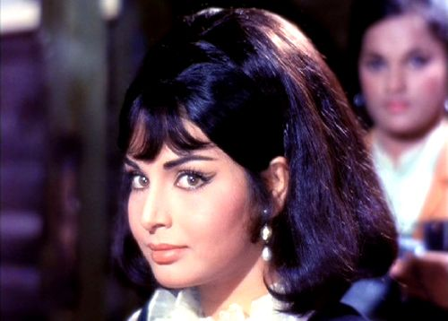 Celebrity Collections: Rakhi Gulzaar Nice Photos