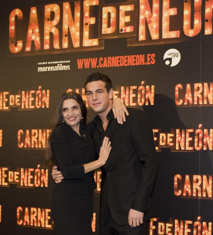SpanishWay_MILENA_Premiere_Carne_de_Neon_Mario_y_angela_026