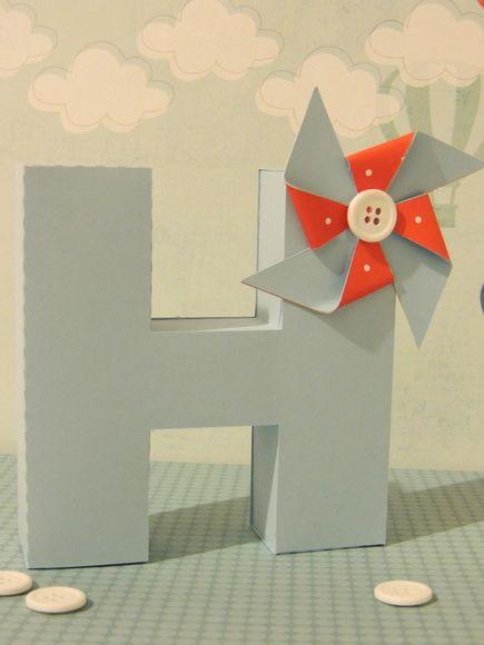 Letra 3D para enfeites para decoração de festas.    Feito 100% com material de scrapbook.    Personalizado de acordo com o tema.    Faço em outras cores e outras letras.    O preço é cobrado por unidade. R$ 20,00