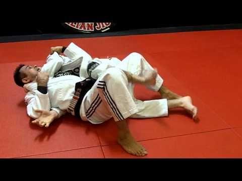 Jiu Jitsu Techniques - Escape from back mount / Lapel Choke defense - YouTube