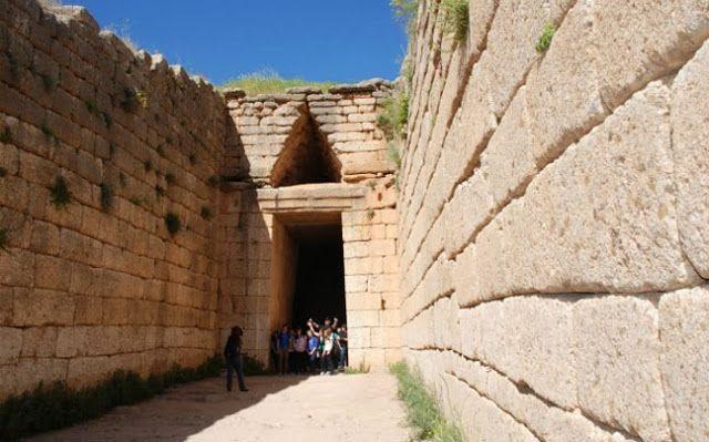 15. Αρχαιολογικοί χώροι Μυκηνών και Τίρυνθας (1999)