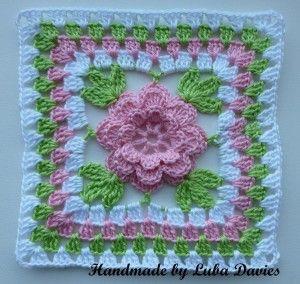 Flower in granny square motif