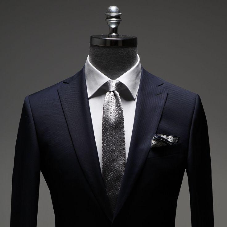 Değerli ve doğal kumaşlardan ince el işçiliğiyle hazırlanan, fit kalıba sahip şık bir takım elbise ile yalın ama bir o kadar da iddialı bir görünüm yakalarsınız..!  #Ramsey  #fashion #takımelbise #kravat  #ceket #gömlek #cool #model #style #swag  #fashioninstagram #trends #instablogger #trendy #casual #look #instastyle #styling #moda #fashionstyle #menfashion #menstyle #moda #erkekmodasi #clothes #man