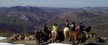 Pasea a caballo con Cuadra los arrudos, en La Felguerina (Caso)