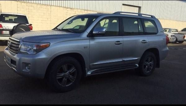 Toyota Land Cruiser 2015 Used in SUV on Qatar Arabsclassifieds | Best Free Classifieds sites in Qatar for used cars, Jobs, Events, Real Estate, Furniture,