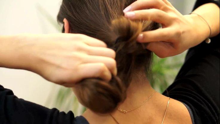 Come realizzare pettinature carine e veloci - Siete stanche della solita pony tail e vi piacerebbe sperimentare qualche nuovo look? Se avete poco tempo e siete a corto di idee per tenere in ordine i vostri capelli, eccovi...