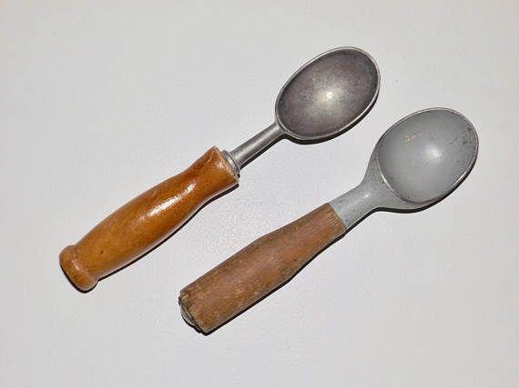 Wood handle ice cream scooper,vintage metal ice cream scooper,made in Germany,ice cream parlor decor,set of 2,