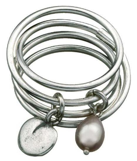 TWINFLOWER RING  Designer: Kirsti Doukas  Material: silver, sweet water pearl