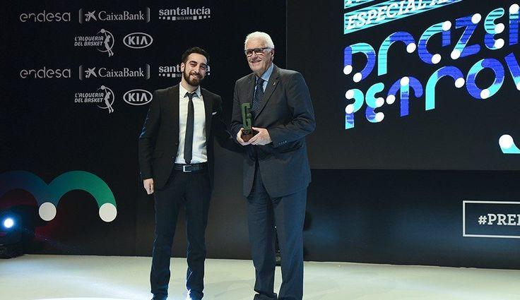 """Era especial"". Lolo Sainz recuerda a Petrovic en los Premios Gigantes http://www.gigantes.com/premios-gigantes-del-basket/30-aniversario/especial-lolo-sainz-recuerda-petrovic-los-premios-gigantes/#utm_source=rss&utm_medium=rss"