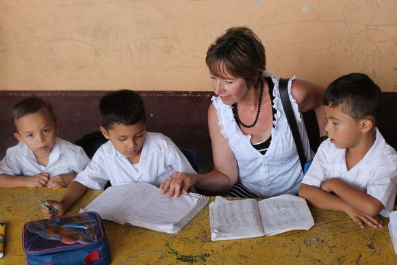 Discover & Learn team member Annette interacting with students in Nicaragua.