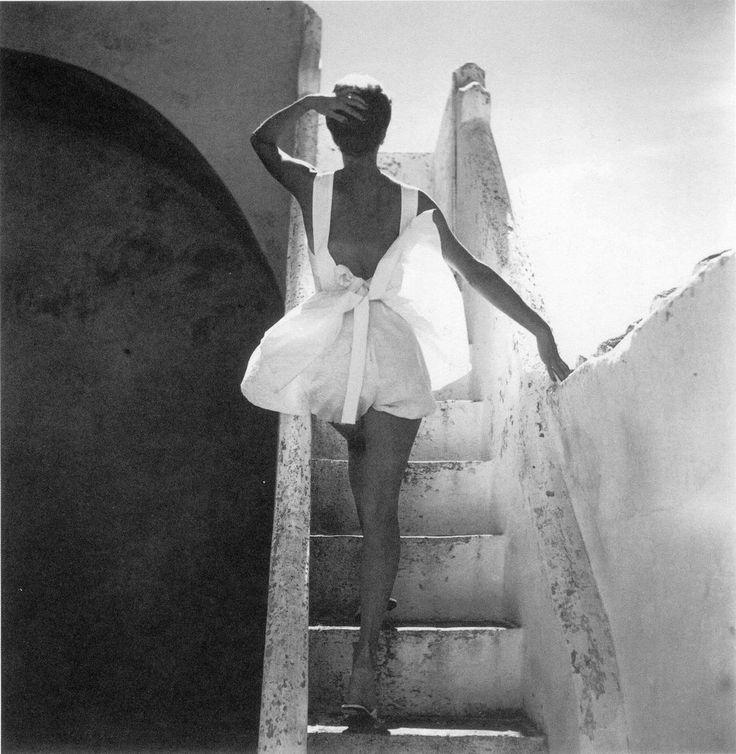Sue Jenks, 1952. Photo by Henry Clarke.