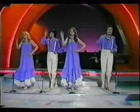 Eurovision 1977 - Greece - Pascalis, Marianna, Robert & Bessy - Mathima Solfege