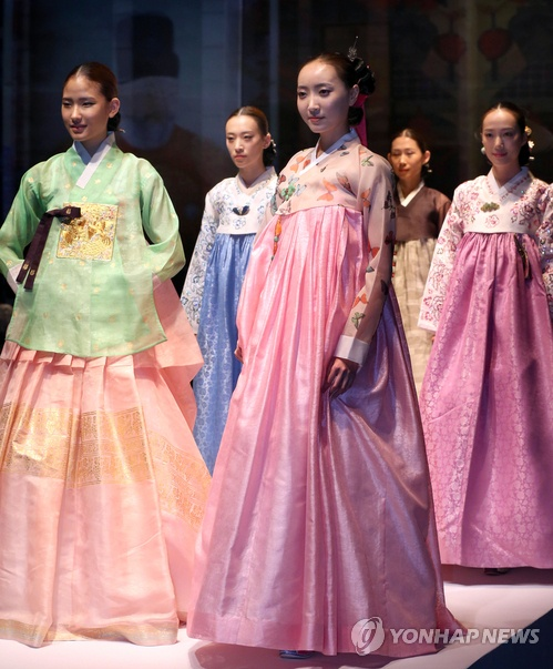 Hanbok wedding dresses signal a return to tradition in Korea!