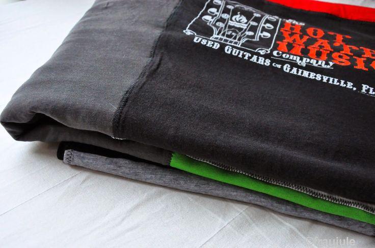 47 best alte t shirt verwerten images on pinterest carpets coir rugs and diy old tshirts. Black Bedroom Furniture Sets. Home Design Ideas