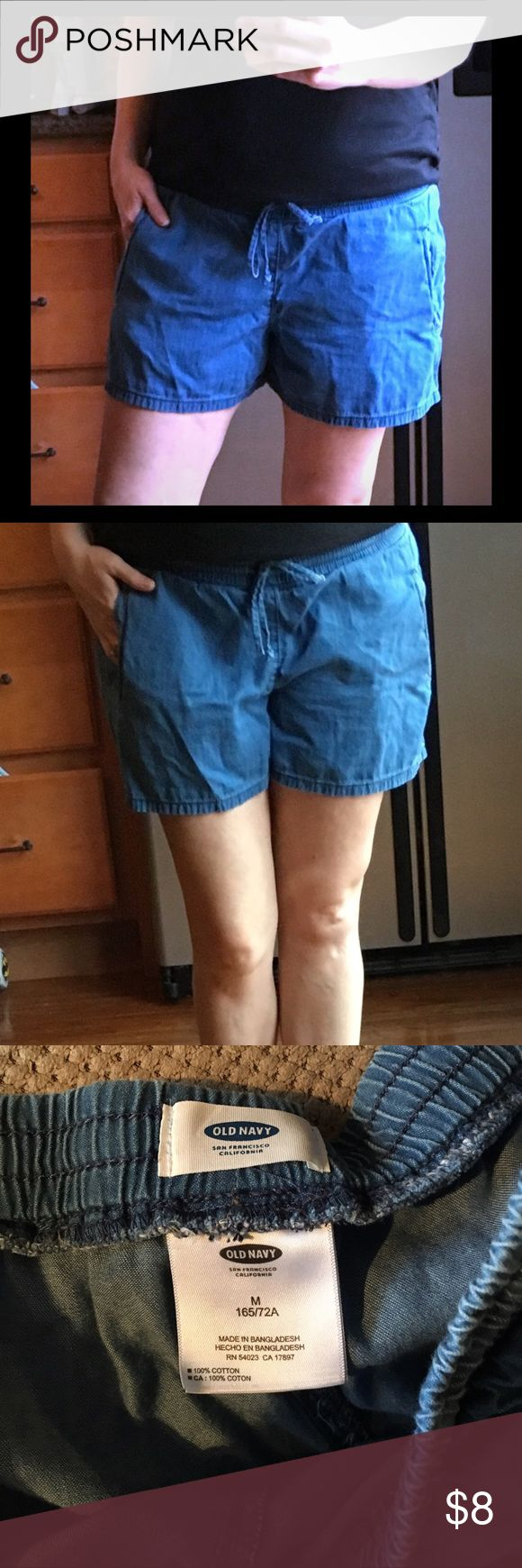 """Comfy drawstring waist cotton """"jean"""" shorts Comfy drawstring waist cotton """"jean"""" shorts. Size M Old Navy these shorts are so cute very casual look but also can be dressed up a little with a cute tank top and wedges. These are meant to not be tight. Great condition. Old Navy Shorts"""
