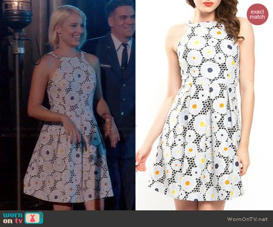 Quinn's grey floral dress on Glee.  Outfit Details: http://wornontv.net/43294/ #Glee