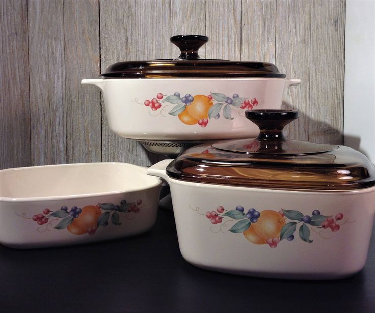 Corning Ware Casserole Dishes, ABUNDANCE Set of 3, Vintage Corningware Casserole Pans, 1 Qt 1.5 Qt & 2 Qt and 2 Pyrex Lids, Corning Ware