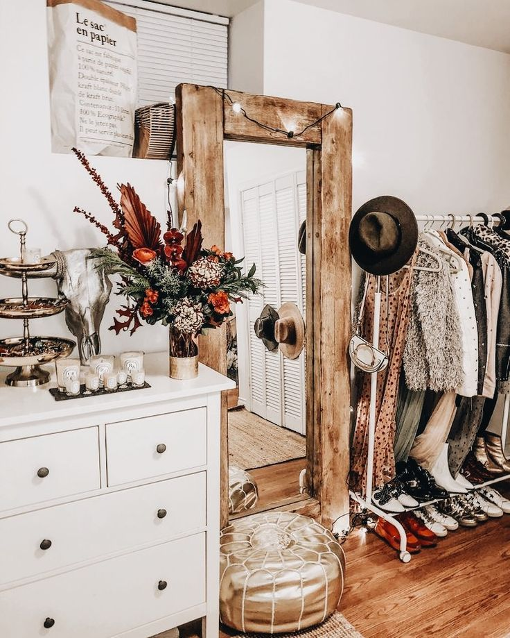 Wardrobe And Closet Inspiration Vintage Home And Interior Style Inspo Western Bedroom Decor Western Home Decor Vintage Living Room