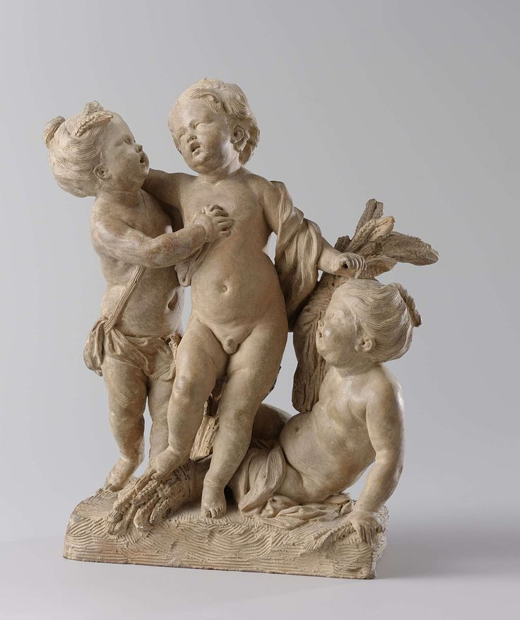 Jan Baptist Xavery | Groep van drie kinderen: de zomer, Jan Baptist Xavery, 1726 | De drie kindertjes verbeelden, gezien de veelvuldige korenhalmen, de zomer. Het meisje rechts houdt een schoof in haar rechter hand als ware het een flink boeket en heeft wat losse korenaren in haar linker. Het jongetje in het midden staat op een bundel en houdt in zijn linker hand het handvat van een afgebroken sikkel. Het meisje links occupeert zich vooral met het jongetje, maar heeft een paar korenaren in…