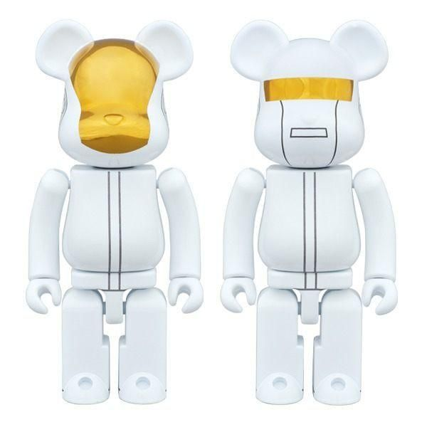 Brand: Medicom Toy Style: 400% Daft Punk Set Bearbrick Size: 28cm tall NEW PRICE! $350 not $450! Complete with window display box. Please note size is box is large, which is reflected in shipping price.